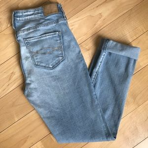 🌾Abercrombie & Fitch Super Skinny Distressed Jean